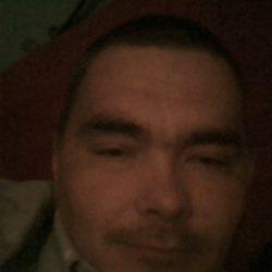Симпатичный парень ищет девушку на ночь в Волгограде