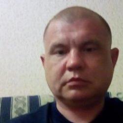 Парень ищет опытную девушку/женщину в Волгограде