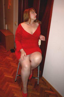Стройная, симпатичная блондинка пригласит в гости мужчину для интимных встреч в Волгограде